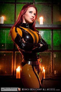 Bianca Beauchamp in Silk Spectre latex suit