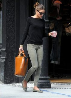 Fall Style Inspiration - simple skinny jeans and flats