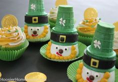 Leprechaun Cupcakes for St. Patrick's Day...decorating instructions... no recipe