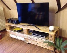 sideboards raumteiler aus europaletten on pinterest side tables pallets and wood. Black Bedroom Furniture Sets. Home Design Ideas