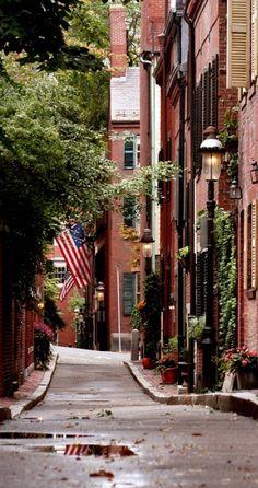 Cedar Lane Way on Beacon Hill in Boston, Massachusetts • photo: Della M. Huff on Pbase