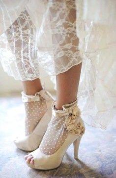 2014 embroidered lace vintage wedding dresses, gauze vintage wedding dresses.