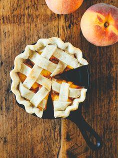 Peach cardamom pie