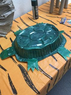 In the Wild VBS - Roasting Pan turtle with spray paint and bubble wrap packaging for appendages.