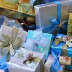 Make a sea of gifts