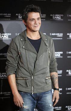 El cantautor y músico madrileño Alejandro Sanz, esta mañana en la capital, durante el acto de presentación de su nueva gira española.
