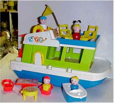 Fisher Price: Play Family House Boat