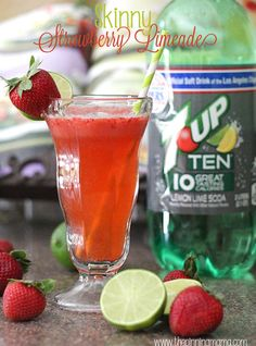 Perfect to sip by the pool this summer!  Skinny Strawberry Limeade Recipe favorit drink, kiddie pool, strawberri limead, skinny summer drinks alcohol, skinni strawberri