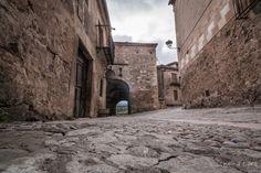 Puerta de La Villa de Pedraza a vista de hormiga © Chema Lara  www.descubrepedraza.com