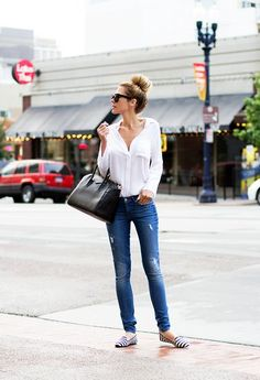 The white shirt and jean thing done kinda perfectly #streetstyle
