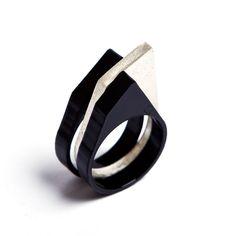 wonderful rings by talented venezuelan artist Gabriela Mora.