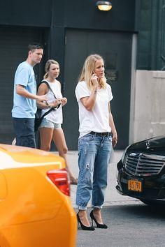 boyfriend jeans + white tee