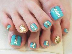 nail art design for toe nail, pedicure, turquoise blue, gold #toenail #nailart