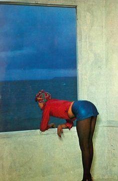 Photo by Guy Bourdin, 1971.