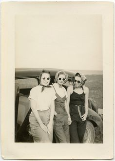 A trio of vintage road trip beauties. #vintage #women #1930s #1940s #fashion #summer