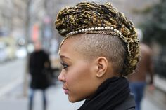 @Humans of New York (HONY) gains prominence with a @Vogue Magazine feature