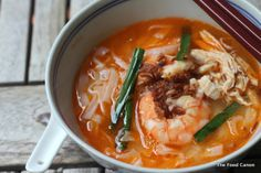 Auntie Ruby's Ipoh 'Kai See' Hor Fun (Flat Noodles with Shredded Chicken)