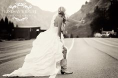 Beautiful bridal pictures @ Lindsaywrightphotography.com. She is amazing!!