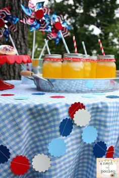 Use what you have around the house to make easy & basically free July 4th table decor