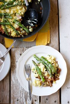 Eggs Benedict and Asparagus Breakfast Skillet | Kitchen Simplicity