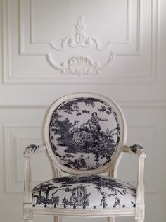 romanc, french toile decorating, black and white chairs, blue, black white, office chairs, piano room, toile de jouy, wall design