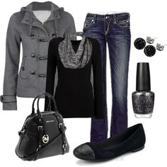 LOVE this casual outfit!! Annnnnnd it's paired with a Micheal Kors bag
