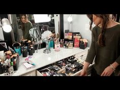 "Ordenar el tocador o mesa de maquillaje. Minha Penteadera/Mesa de Maquiagem! ""atualizado"" por Camila Coelho - YouTube https://www.facebook.com/bagatelleoficial Bagatelle Marta Esparza.  Order the vanity or makeup table. Trier la vanité ou la table de maquillage. #tocador #vanity #vanité"
