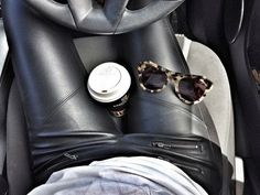 How to Chic: LEATHER PANTS - TORTOISE SUNGLASSES