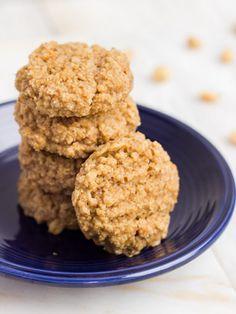 Peanut Butter Oat & Quinoa Cookies. Good for breakfast or dessert. http://www.ivillage.com/quinoa-cakes-cookies-desserts/3-a-561441