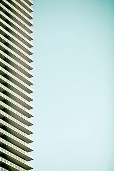 Straight Up by Thomas Hawk #patternpod #patternpodtrends #trends #directional