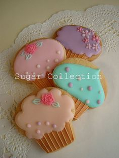 cupcake cookies. I already have this cookie cutter, what great ideas for decorating them!