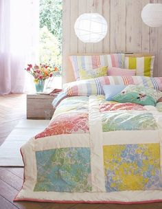 simple quilt to make! and love these colors!