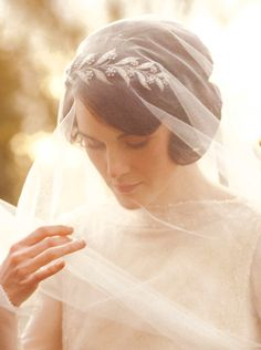 Lady Mary's laurel headpiece #headpiece #downtonabby #vintage #veil