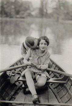 rowing / kissing 1920's