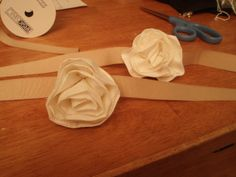 DIY Wrist Corsage by Nicole #Corsage #Flower # Wedding