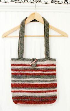 Easy striped crochet tote pattern ... free too! #crochet #tote #purse #bag #pattern