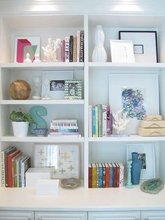 How to style bookshelves.