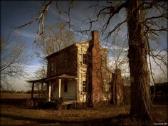 Winter of Decay; William Hyman House, c.1848. There is an older one room house connected to the other side. Martin County, NC.