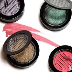 Talk about buzz-worthy: these manuka honey shadows are bee-utiful! #Eyeshadow #Makeup #Sephora #Beauty