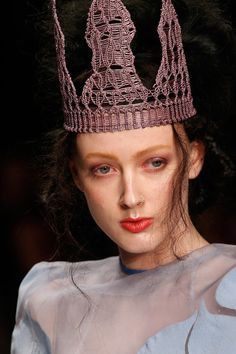 aksu spring, fashion smashion, head dress, head tripper, bora aksu, crown, hat