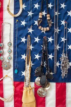 flag, necklac