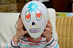 Day of the Dead Balloons - simple party activity. Click through for 20 more ideas!