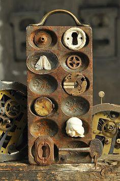 metal mold, rusty metal, rusti metal