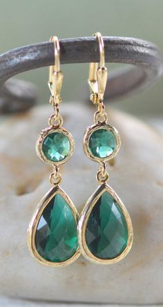 Emerald and gold earrings