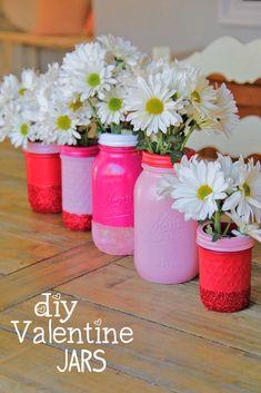 diy spray paint and glitter mason jar vases on Littlemissmomma.com