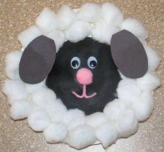 Lamb Craft #LegoDuploParty balls, craft activities, food coloring, paper plate crafts, farm birthday, lamb, birthday crafts, craft ideas, paper plates