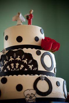 Gorgeous Dia de los Muertos cake