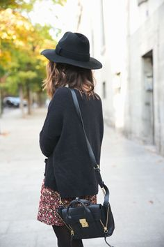 Hat+satchel+dress=happy