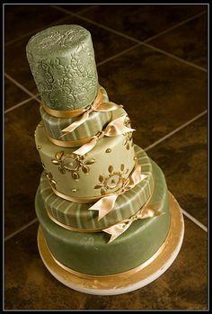 Green & gold cake