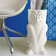 umbrella owl stand: my favorite animal at the moment, and I keep seeing this umbrella stand everywhere